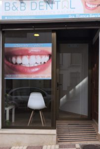 clinica dental escaparate